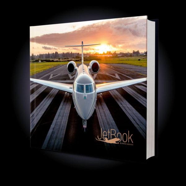 JetBook by Antonia Lukacinova